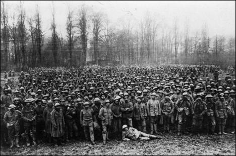 Prisioneiros portugueses sobreviventes da Batalha de LaLys.